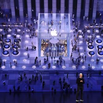 Apple приобрела около 100 компаний за последние шесть лет, тратя меньше других техгигантов /Фото Getty Images