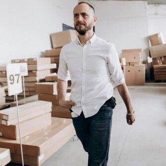 Как ремесленник из закарпатского села научился экспортировать столы и стульяв Израиль и Европу /Фото из личного архива