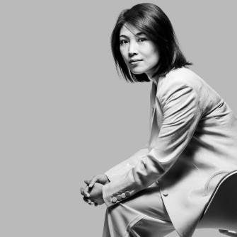 Кейт Вонг за три роки стала однією із найбагатших жінок світу. Вона заробила мільярди на електронних сигаретах /Фото Stefen Chow for Forbes