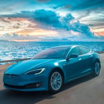 Tesla відзвітувала про рекордний прибуток – $1,6 млрд за три місяці. Компанія Ілона Маска зростає, незважаючи на чіп-кризу /Фото Shutterstock