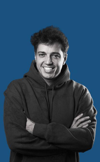 Творец миров. Как Владимир Панченко зарабатывает миллионы, продавая виртуальные вещи из видеоигр /Фото Александр Чекменев
