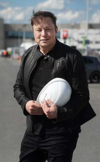 Німецьке «бюрократичне пекло». Чому Ілон Маск не може швидко побудувати новий завод Tesla у Берліні /Фото Getty Images