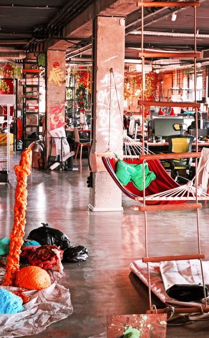 Инкубатор креатива. Холдинг !FEST построил город, где скрестил десятки разных бизнесов. Как это выглядит