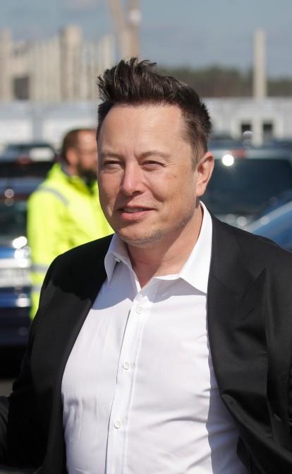 Ілон Маск купив у двоюрідних братів компанію SolarCity. Тепер він змушений доводити в суді, що це не було кумівство за гроші інвесторів Tesla /Фото Getty Images