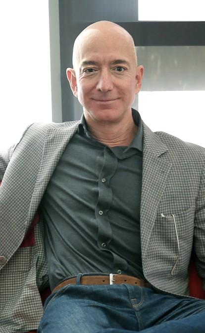 Джефф Безос вперше потрапив до списку мільярдерів Forbes в 1998 році. Ось наскільки він розбагатів на посаді гендиректора Amazon /Фото Getty Images
