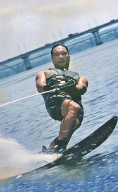 «Выше нас только звезды». Зачем сооснователь группы «Приват» Алексей Мартынов уже 14 лет готовит чемпионов по водным лыжам /Фото из личного архива