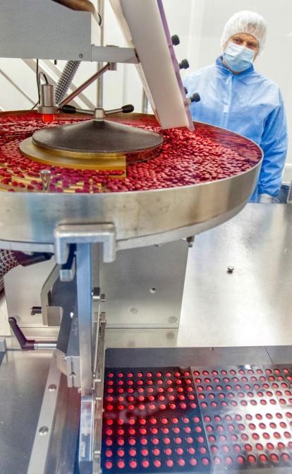 Як виготовляють ліки. Фоторепортаж з інноваційного цеху фармкомпанії «Фармак»